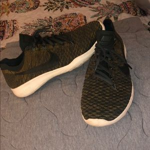Nike free flynit trainers